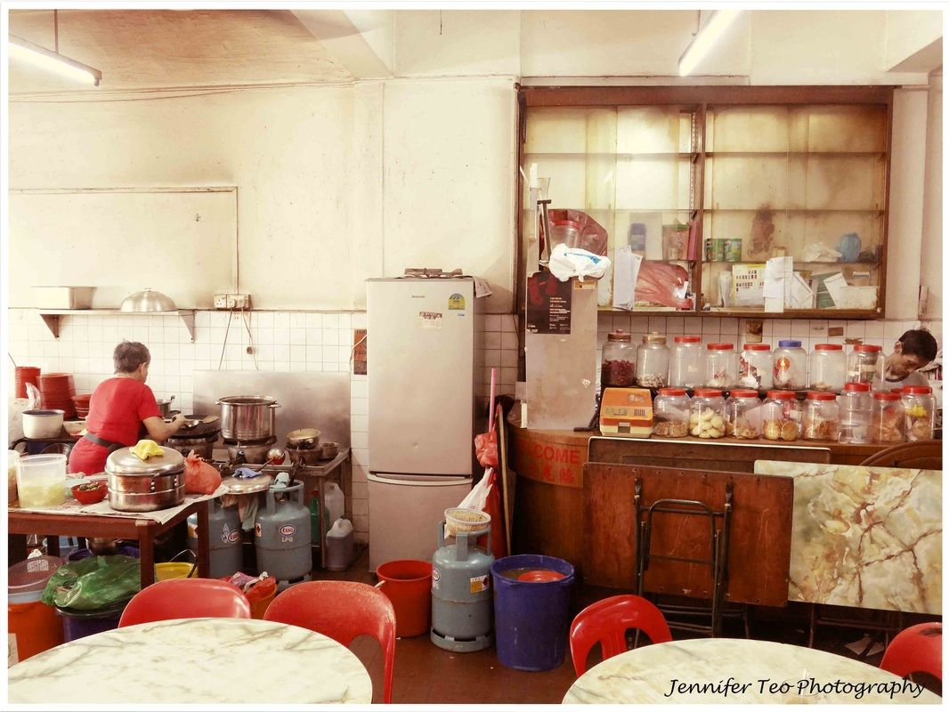 Coffeshop With Bygone Style In Singapore Heap Seng Leong Singapore Photos Singapore Coffee History