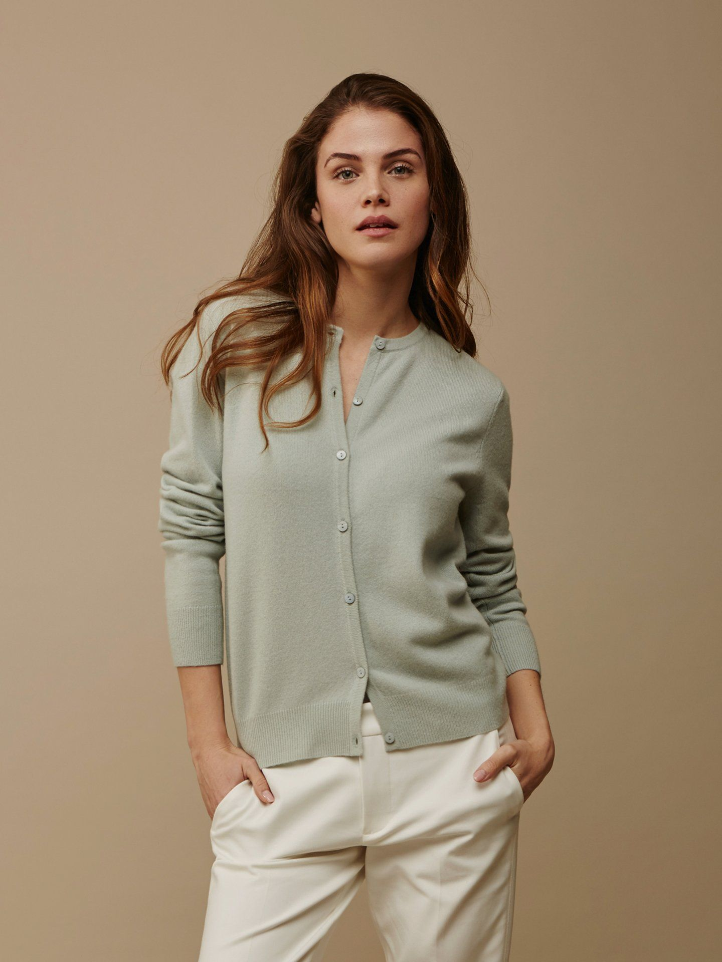 f0f86759b3f Women s Classic Cardigan - Soft Goat - 100 % cashmere