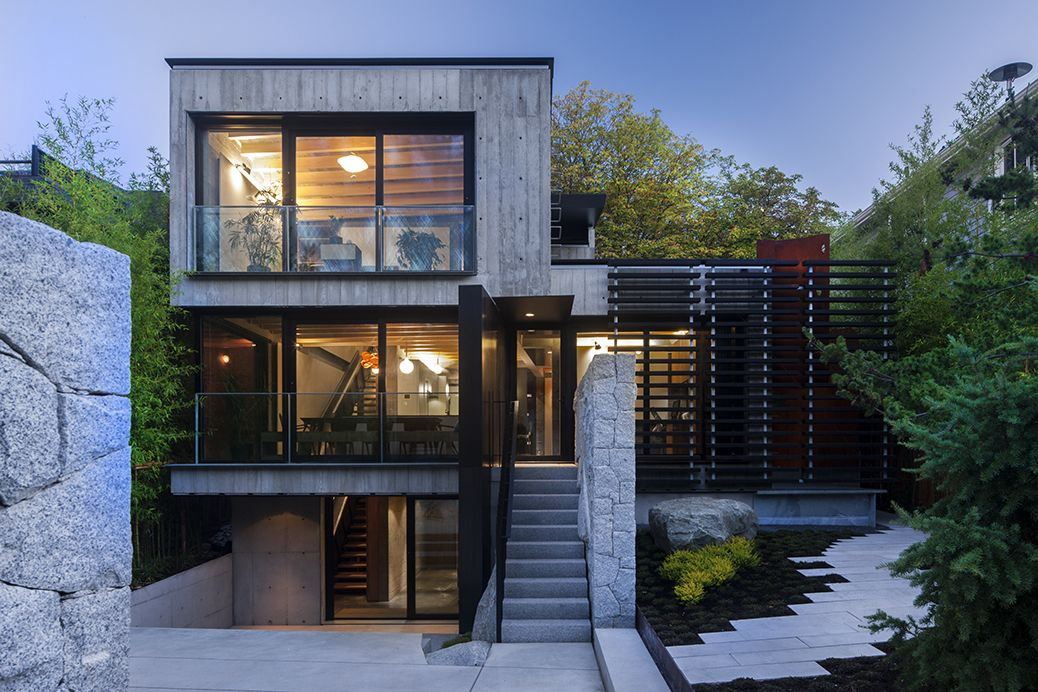 Modern home with a laneway house vancouver british for Home builders in canada
