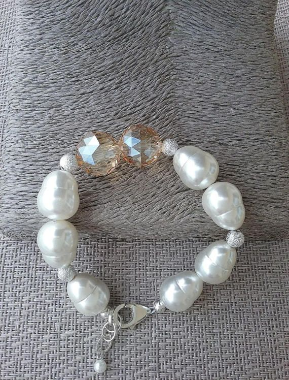 Shell pearl and champagne crystal bracelet, Handcrafted bracelet from Spain, statement bracelet, gift for her, white shell pearl bracelet