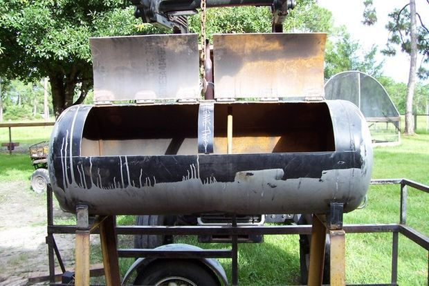 The idea was to build as cheaply as possible a BBQ smoker. I wanted something & The Wild Pig Smoker | Goodies