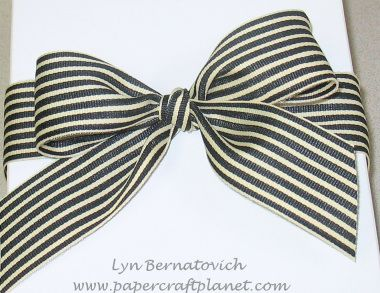 How to Tie a Perfect Bow! Instructions for right and left handed people!
