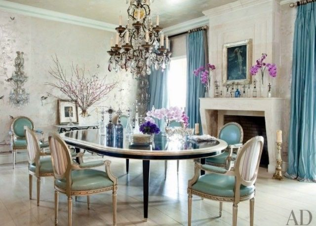 Stunning dining room.. Lovely chairs ... The wall sconces ..The chandelier...The table ...all just beautiful!!! Designer? #interiorstyled  #interiorideas #interiores #interiorismo #interior #interiordecor #interiordetails #interiorstyle #interiorsdesign #interiordesigner #decoração #decoraçao #decorhome #decoracao #decor #interiordecorator #interiorinspiration #interiorideas #interiorinspo #interiordesigner #diningroomdecor #diningroomideas #diningroom #blueandwhite  #blueandwhiteforever #bea...