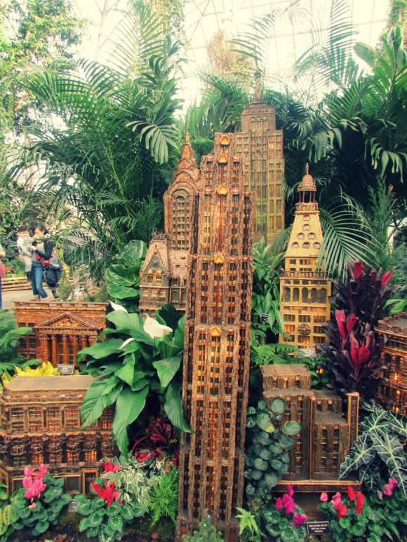 New York City\'s Holiday Train Show | City