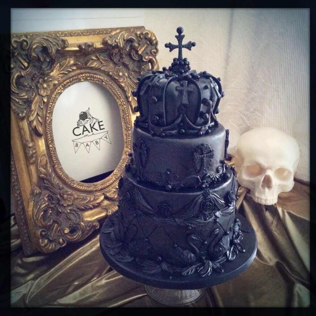 The Black Pearl Wedding Cake From A Most Curious Wedding