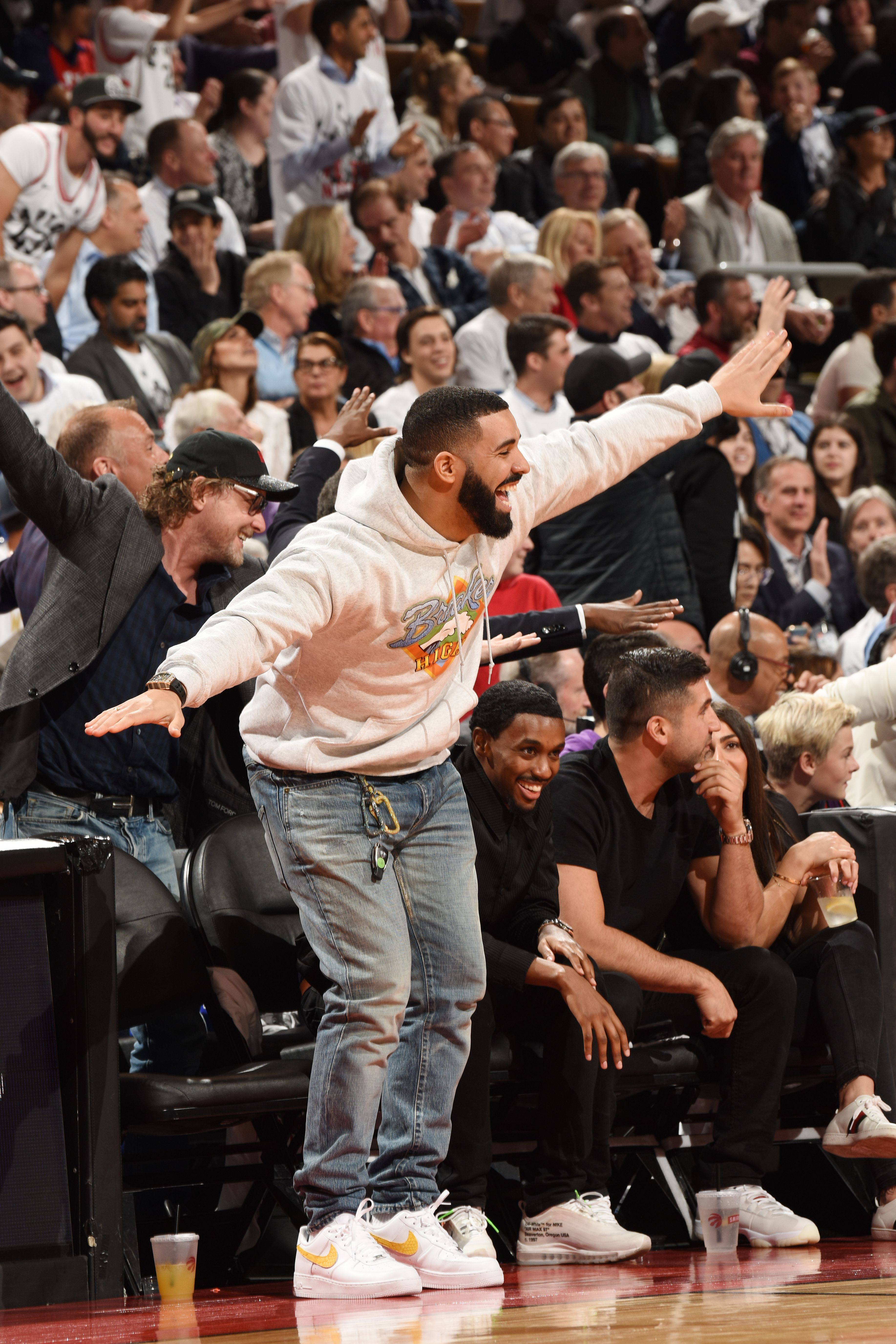 Raptors Superfan Drake Is The Nba S Biggest Celebrity