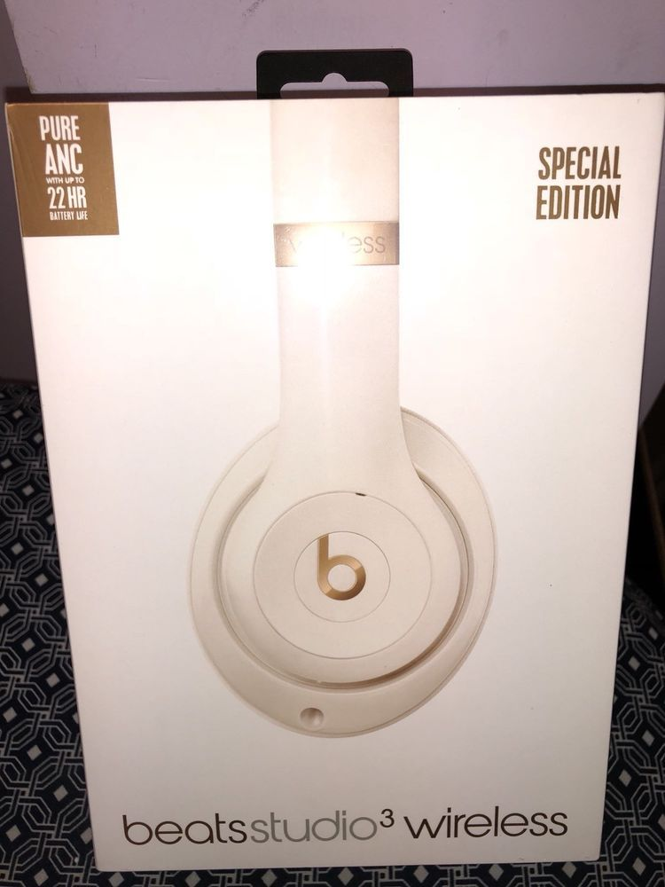 Beats by Dr  Dre Studio3 Headband Wireless Headphones