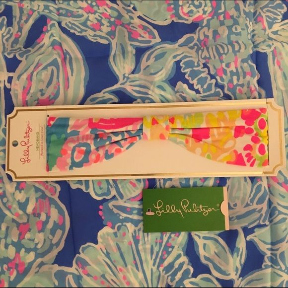 $21Ⓜ️ Lilly Pulitzer Lovers Coral Headband NIP NWT Vibrant, Lilly Pulitzer Lovers Coral Jersey GWP Headband NWT **SEALED IN ORIGINAL PLASTIC** Mine was used for opened pictures above! I have several of these available, so pattern placement may differ on each one from my pictures. No trades please! Fast shipping! $21 shipped on Ⓜ️ercari and $22 shipped on ️️! Lilly Pulitzer Accessories Hair Accessories