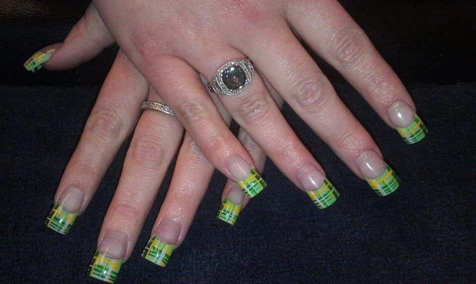 Jillian did these green plaid nails at dolcesalonspa
