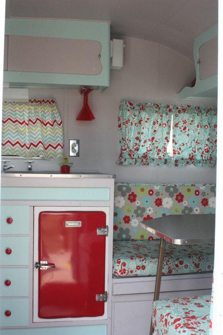 retro k hlschr nke liegen voll im trend k che pinterest wohnwagen camping und wohnmobil. Black Bedroom Furniture Sets. Home Design Ideas