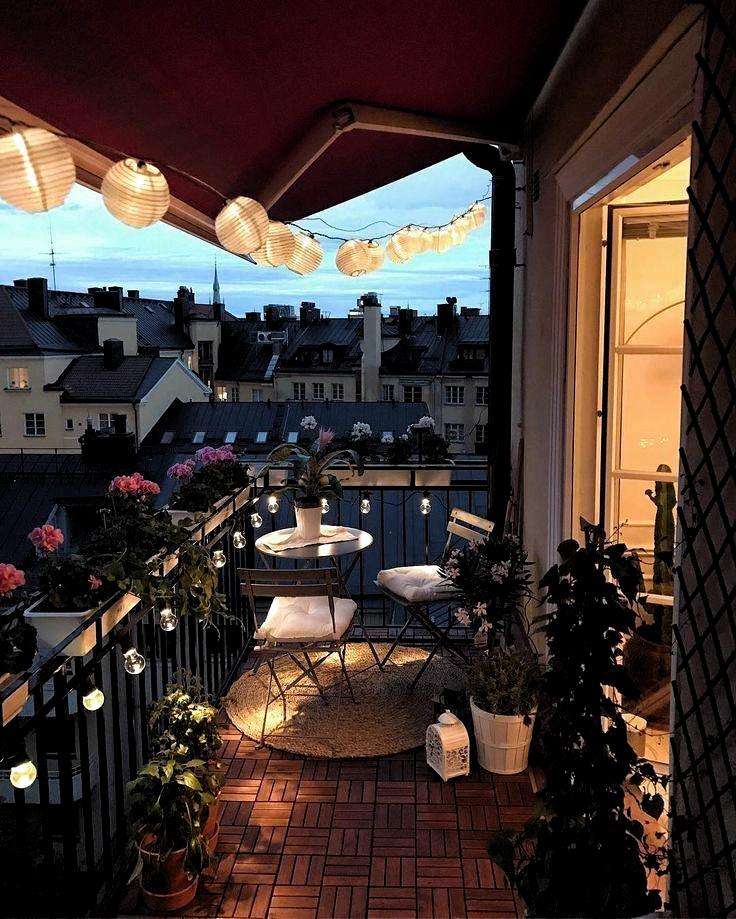 Frau   - Melisa - #außergewöhlichedekoration #balkon #balkonbepflanzen #balkondeko #balkondekoideen #balkondekoration #balkondekorieren #balkonfensterbank #balkongestalten #balkongestaltentipps #balkonideen #balkonterrasse #balkonideenfürkleinenbalkon #decoration #deko #dekoideen #dekoration #dekorationselbstmachen #dekorieren #diy #garten #ideen #ideenfürbalkon #ideenfürdenbalkon #kleinerbalkonideen #obstkistendekoration #terrassendekoration - Frau   - Melisa