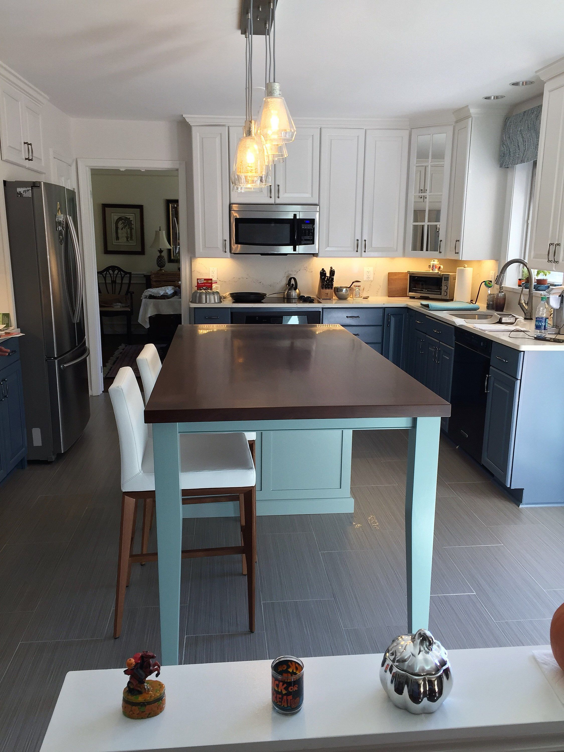 Kitchen Island With Seating And Tapered Legs Kitchen Island With Seating Kitchen Remodel Kitchen Design