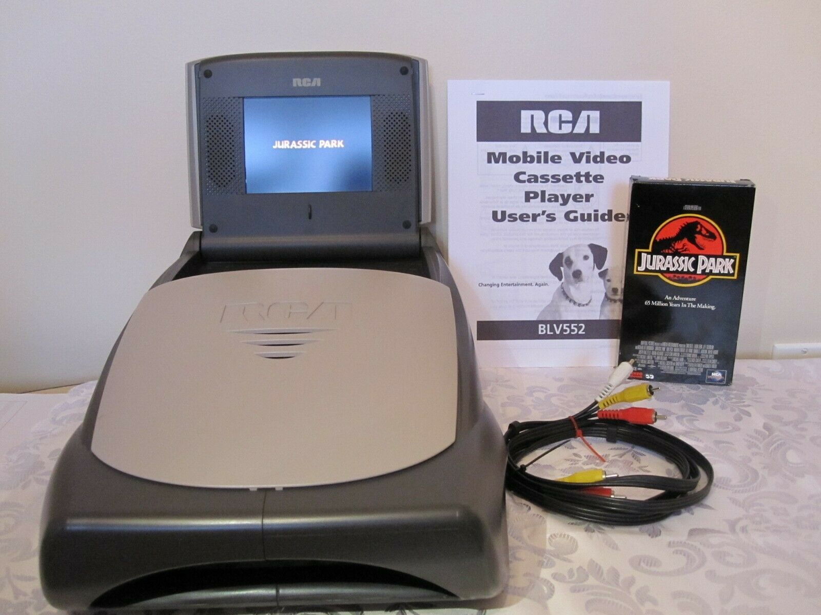 Rca Blv552 Portable Video Cassette Player Tested Unit From 2003 Vcr Vhs Hi8 Cassette Player Cassette Mobile Video
