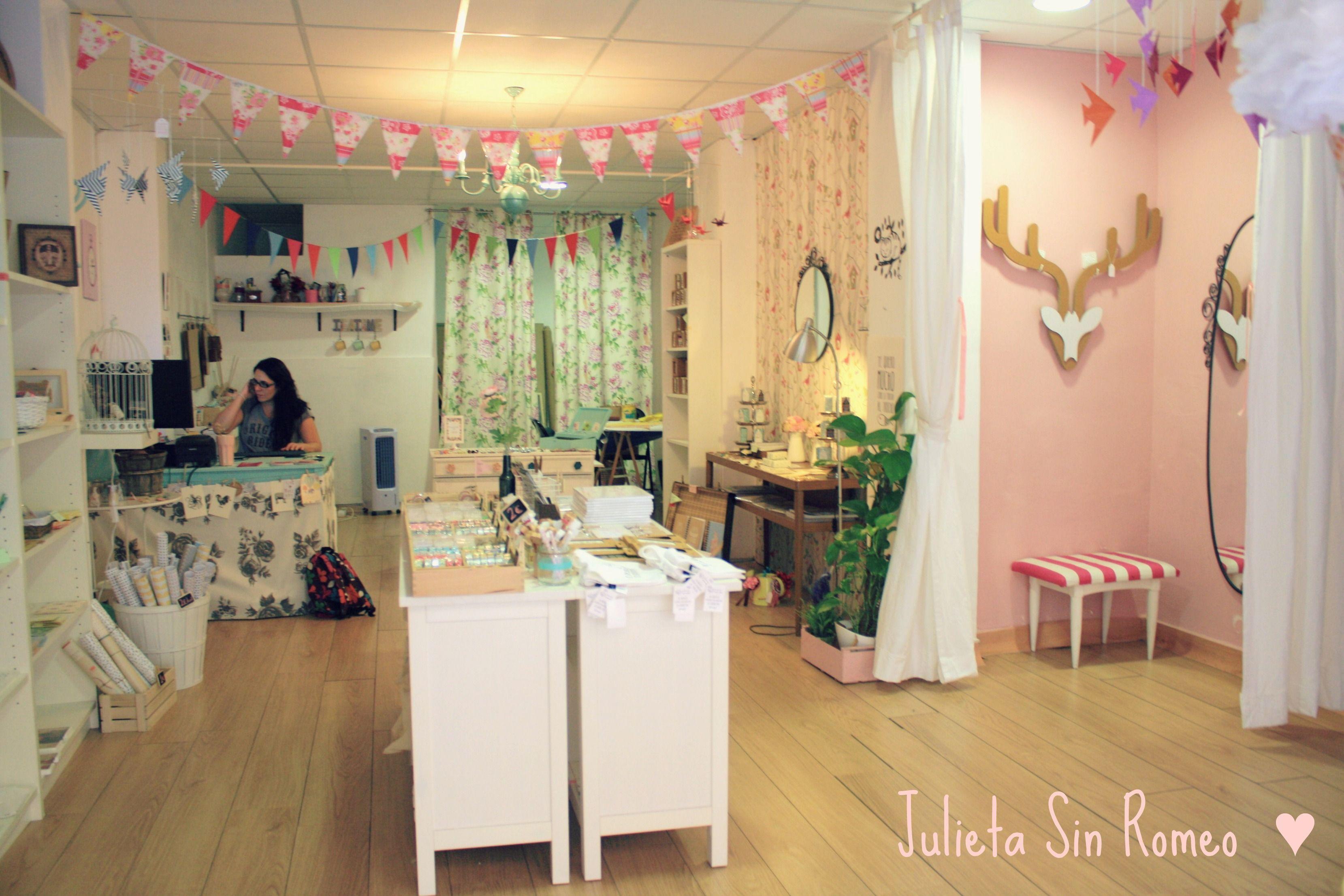 Pin de Miriam Sanchez en decoracion | Pinterest | Tiendas de ropa ...