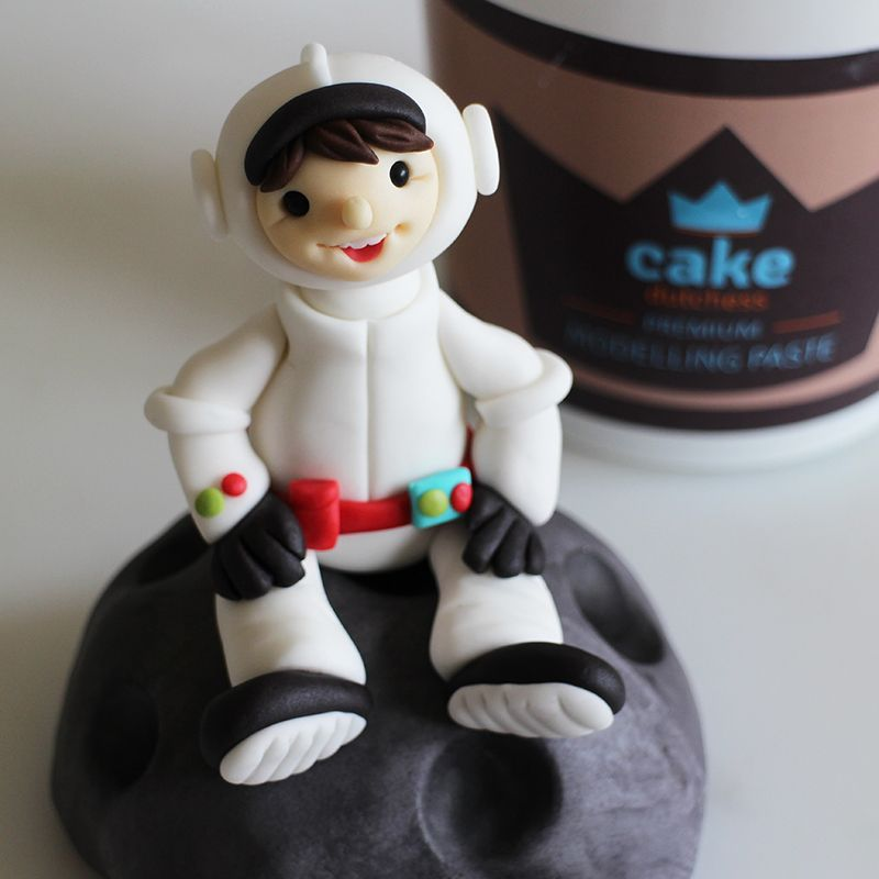 Tutorial – Astronaut Cake Topper – Cake Dutchess | Cake ...