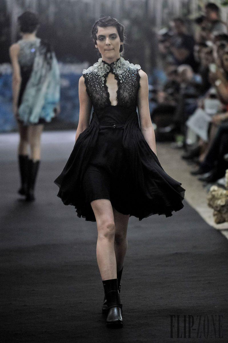 On aura tout vu Otoño-Invierno 2014-2015 - Alta Costura - http://es.flip-zone.com/fashion/couture-1/independant-designers/on-aura-tout-vu-4796 - ©PixelFormula