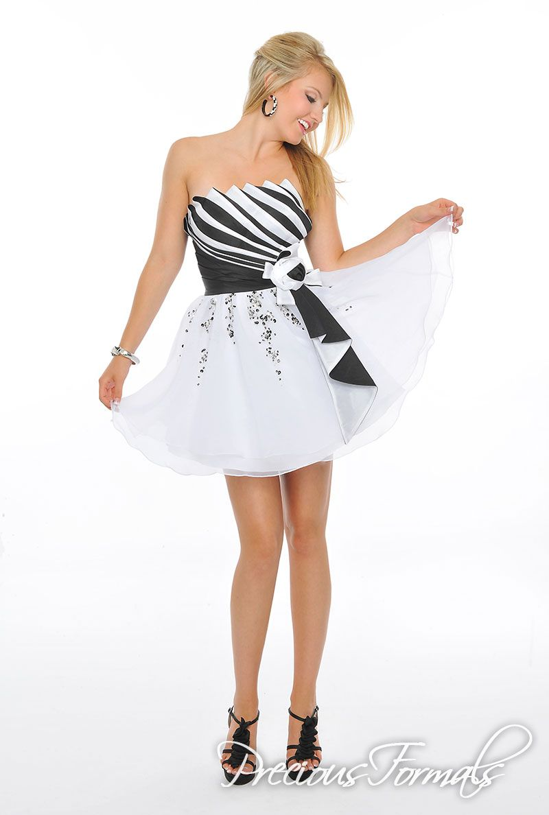An amazing fan folded taffeta bodice tied off with a bow and