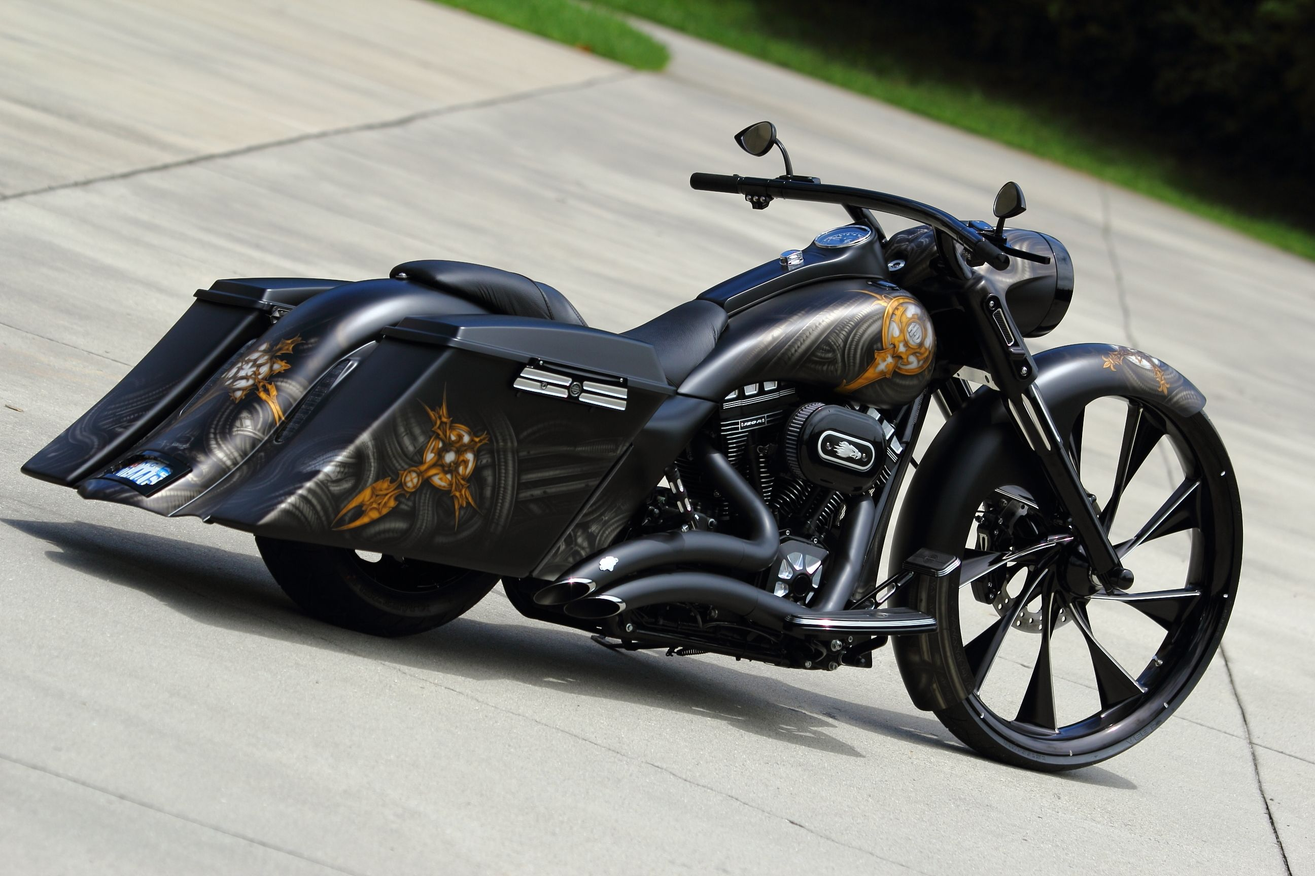 custom road king baggers this is by far one of the sickest custom road kings you will ever see. Black Bedroom Furniture Sets. Home Design Ideas