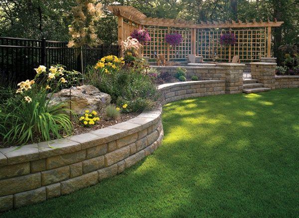 14 Diy Retaining Wall Ideas For Beautiful Gardens Backyard Retaining Walls Backyard Landscaping Designs Sloped Backyard