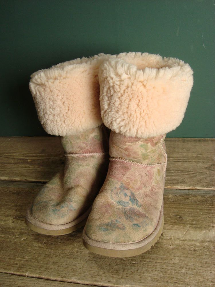 Pink Fl Print Genuine Ugg Boots Size W6 Uk 4 In Clothes Shoes Accessories Women S Ebay