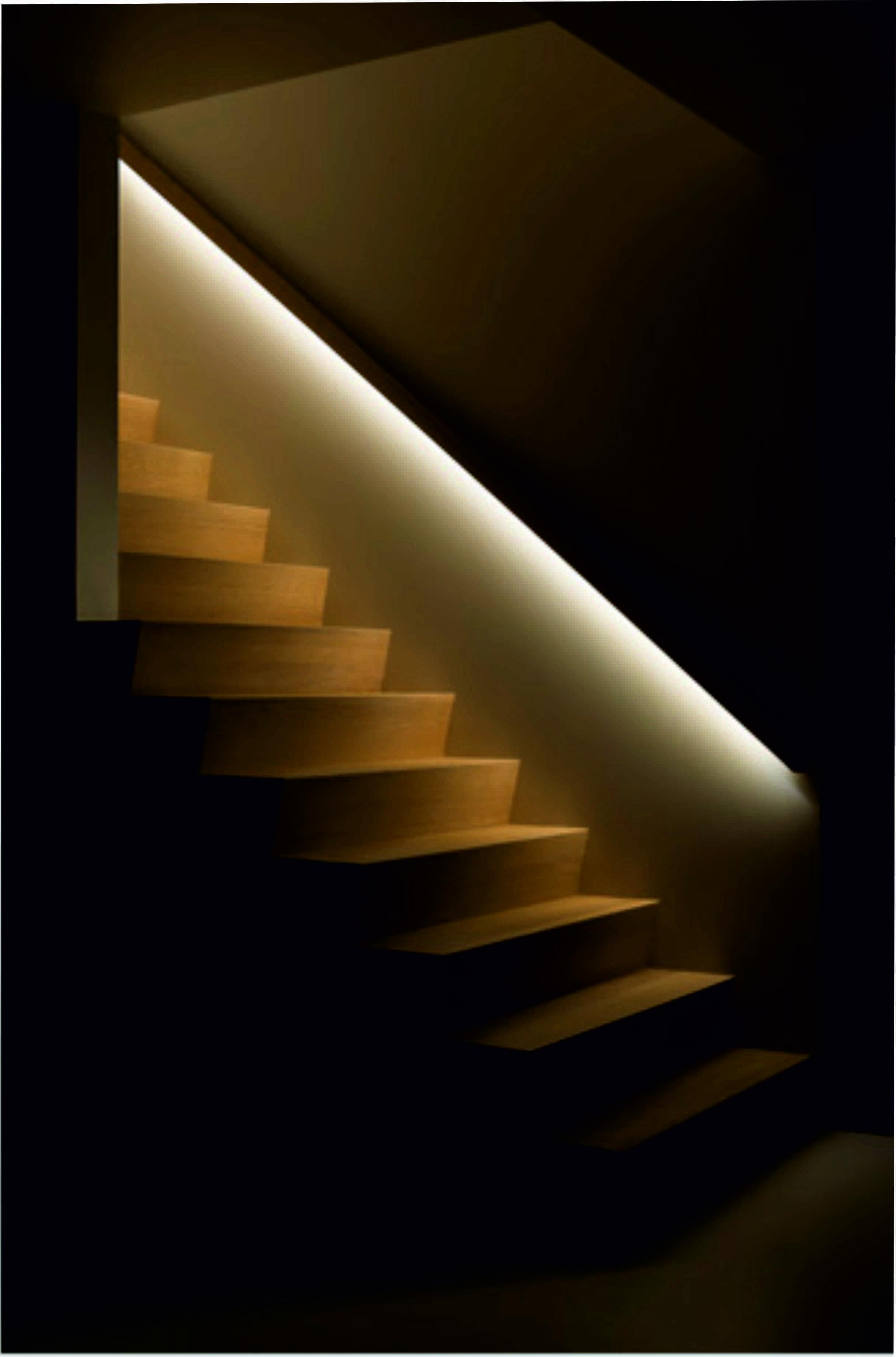 Pin Von Lgh Auf Garderobe Treppe In 2020 Treppenbeleuchtung Treppen Licht Treppenlicht