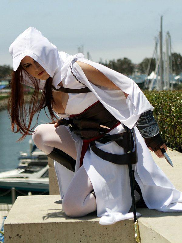 Hasil gambar untuk altair female cosplay