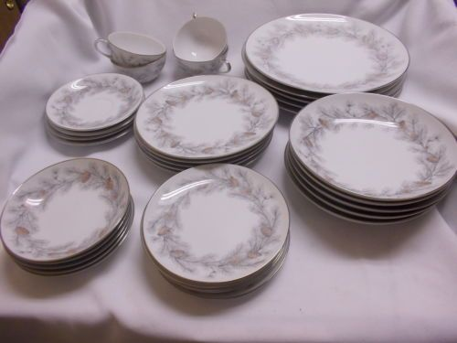 33 Pieces Sierra Pines Pattern of Sango China Service of 5 Excellant Pinecones   eBay & 33 pieces Sierra Pines pattern of Sango china service of 5 ...