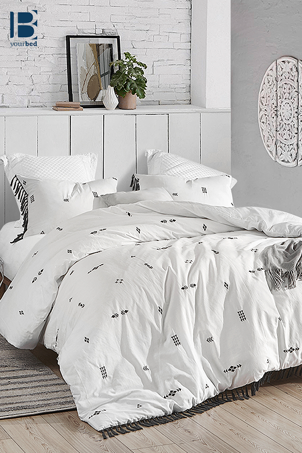 Extra Soft Cotton Oversized Queen Duvet Cover In Easy To Match White And Dark Gray With Unique Textured Detailing Textured Duvet Textured Duvet Cover White Duvet Covers