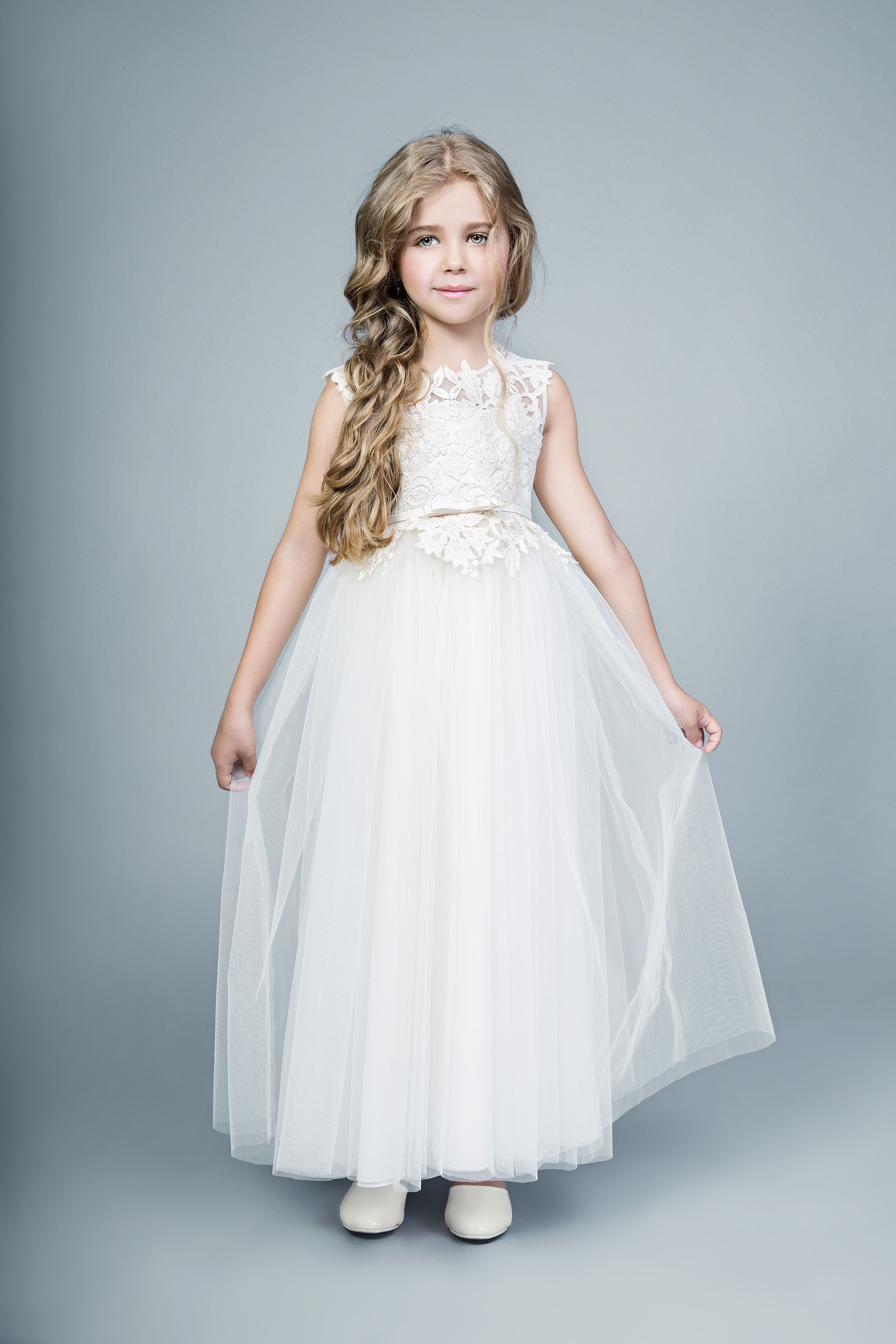 Lace top with a tulle skirt. A boho-chic flower girl style for your ...