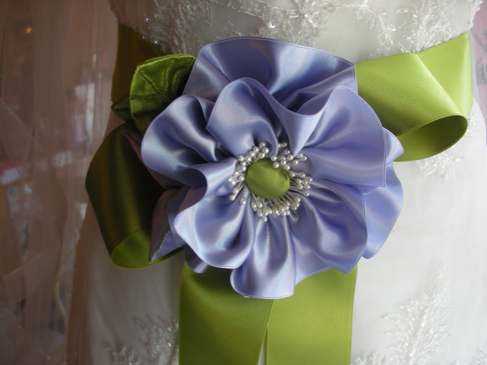 Everything But The Dress: Ribbon Bridal Flowers
