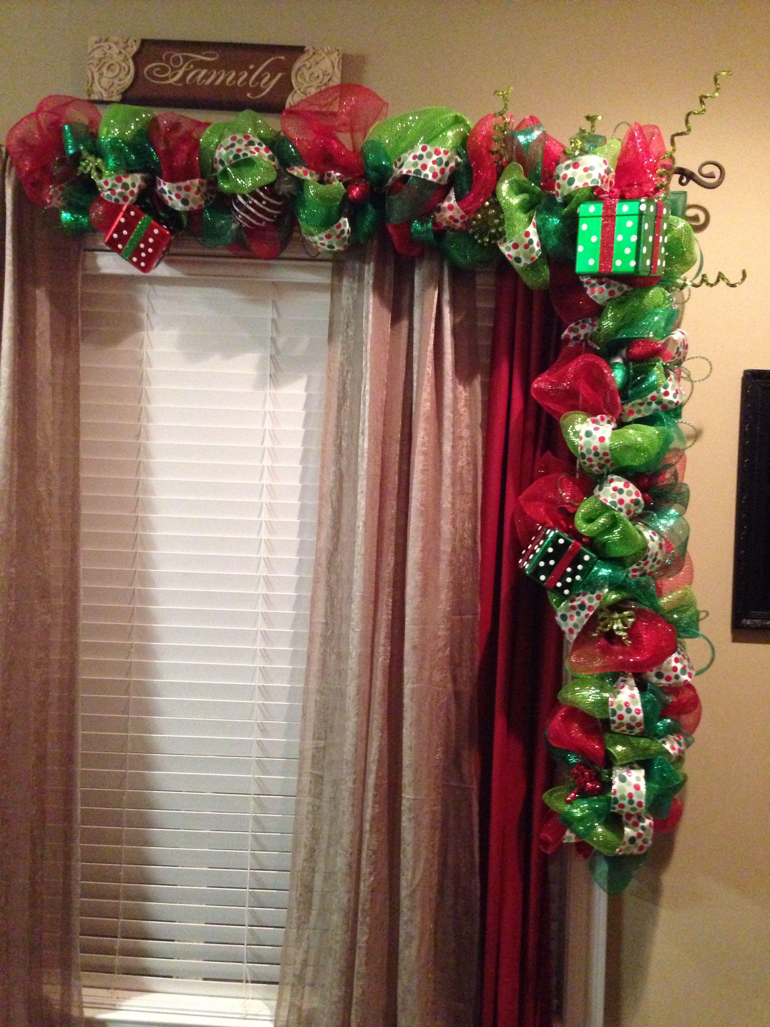 My christmas decor 2013 navidad decoraci n de ventanas for Guirnaldas navidenas para puertas y ventanas