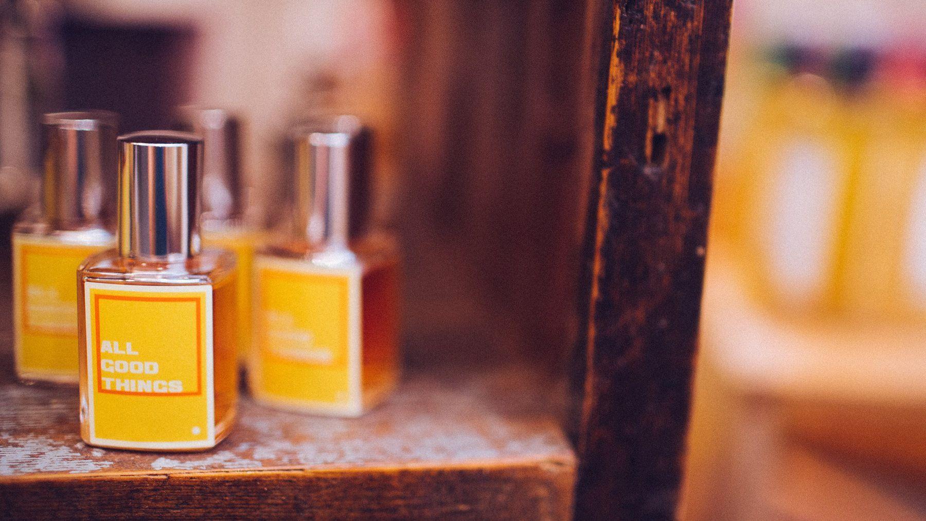 All Good Things mit seinem satten, sinnlichen und rauchigen Duft ist diesen Frühling unser Parfüm Liebling. Schon probiert? http://bit.ly/1F2h5yb