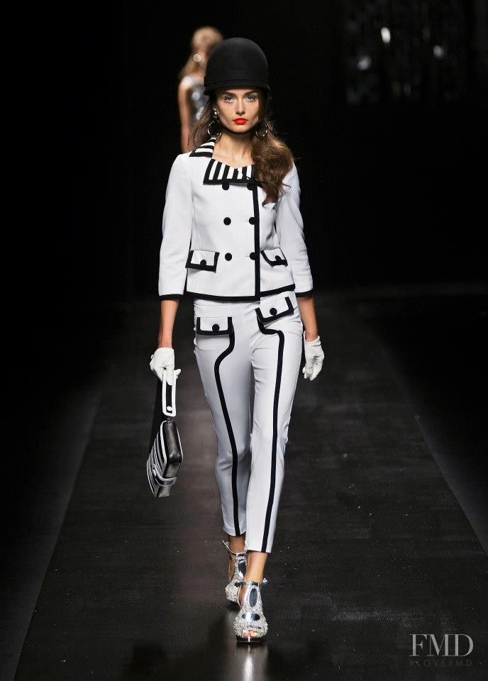 Photo feat. #AndreeaDiaconu - #Moschino - Spring/Summer 2013 Ready-to-Wear - milan - #FashionShow | Brands | The FMD #lovefmd