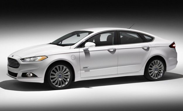 Ford Fusion Energi Bags A 100 Mpg Epa Fuel Economy Rating Ford