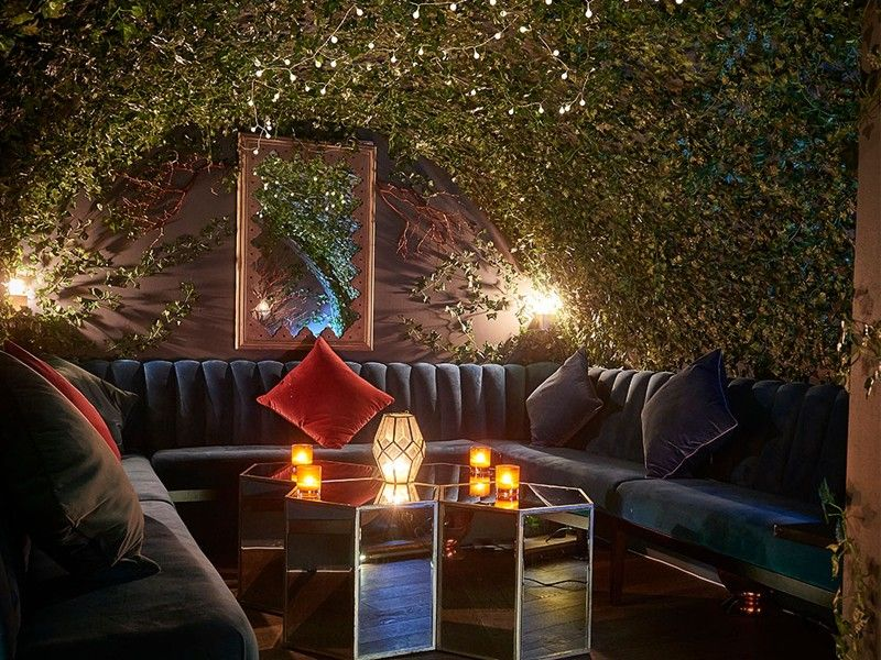 17 Romantic Bars For A Valentine S Day Tipple In 2020 Covent
