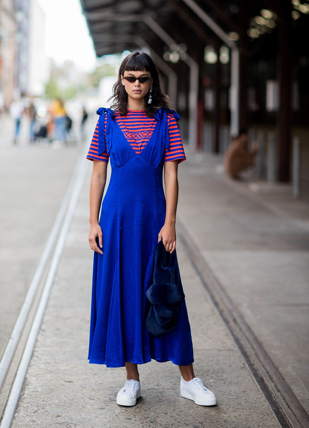 A Street Style Guide To Summer Work Style Striped Dress Summer Summer Dresses Comfortable Summer Outfits [ 1385 x 1000 Pixel ]