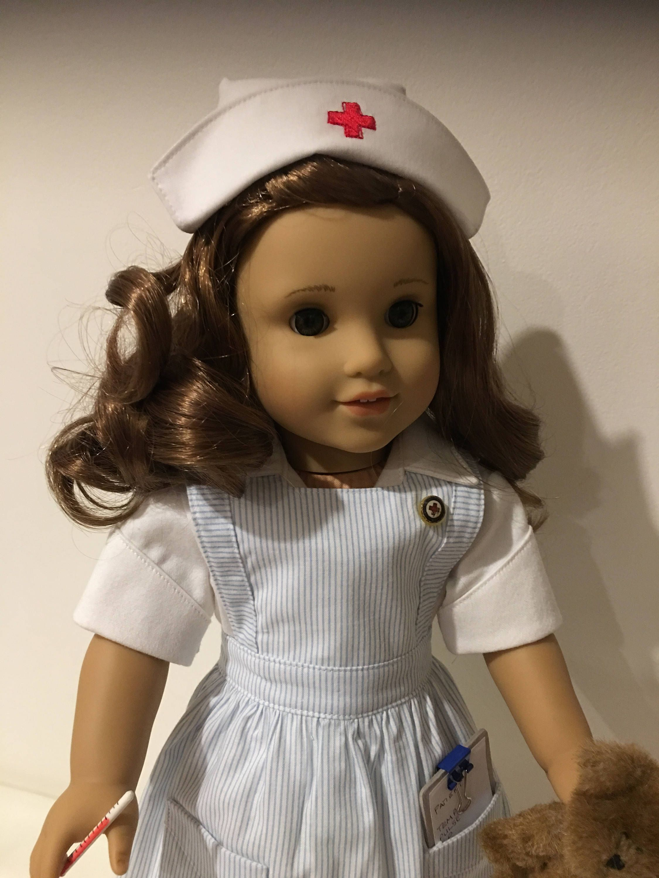 Vintage Style Nurse outfit fits American girl dolls   Taurina y Patrones