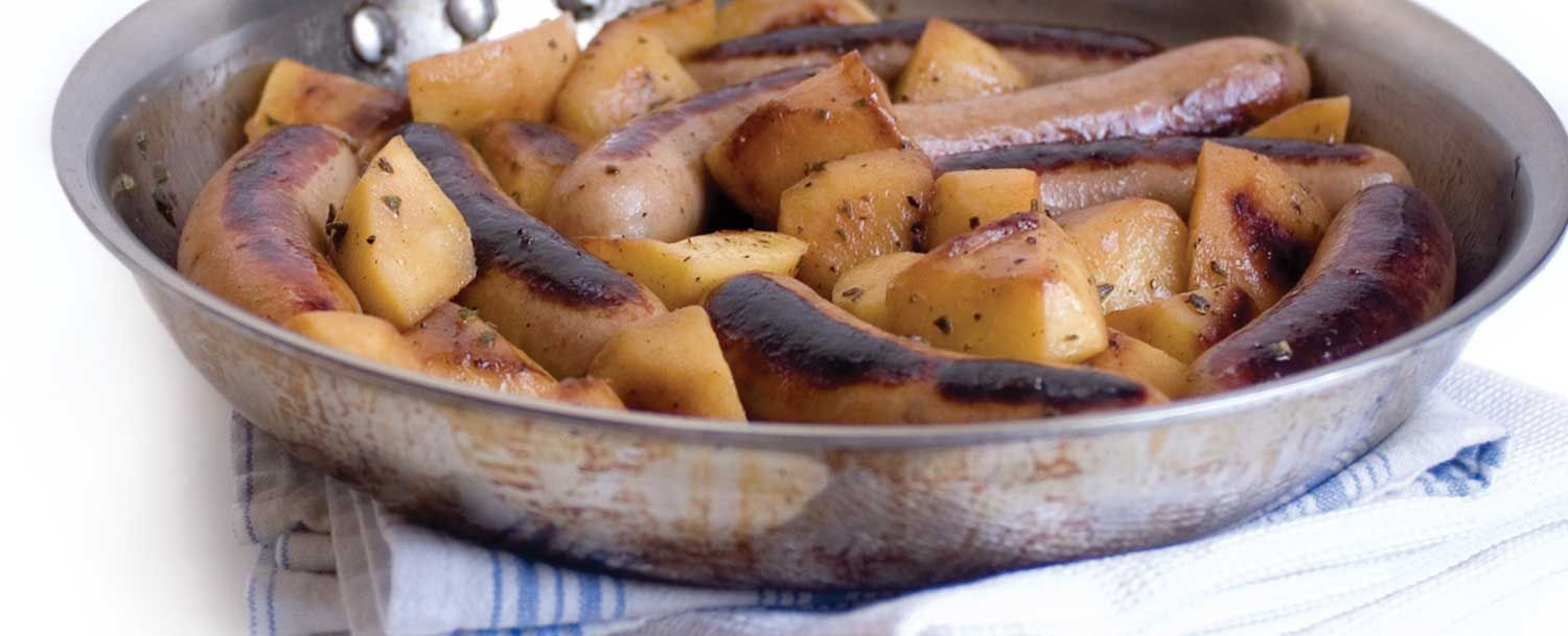 Pan Grilled Sausage With Apples And Onions Recipe In 2020 Food