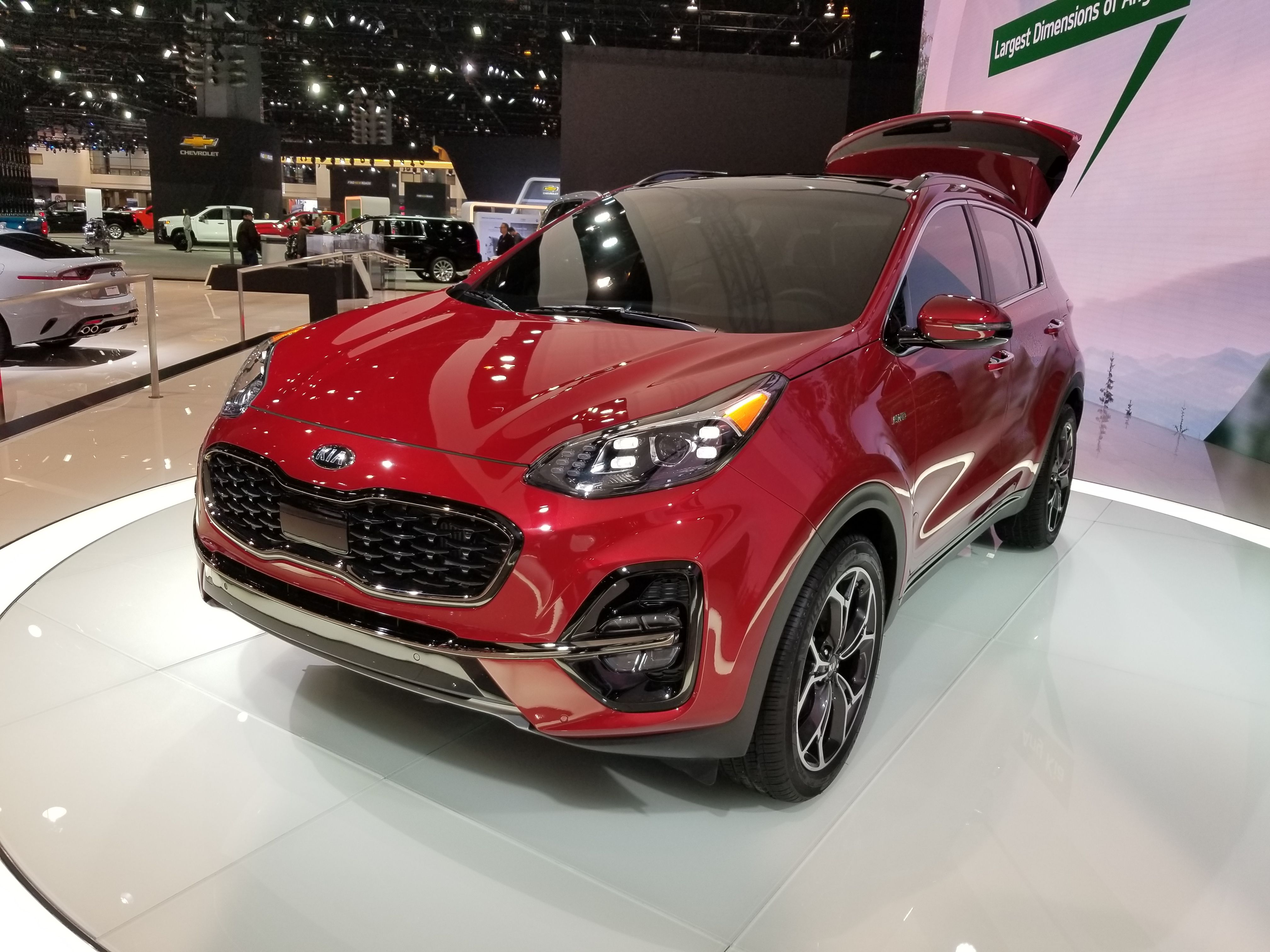 2020 Kia Sportage Revealed Without Many Meaningful Updates For A Good Reason Kia Sportage Kia Sportage