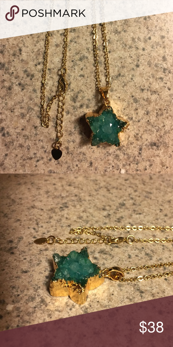 SALE Emerald Druzy Agate Star ⭐ Necklace Brand new! Gorgeous ...
