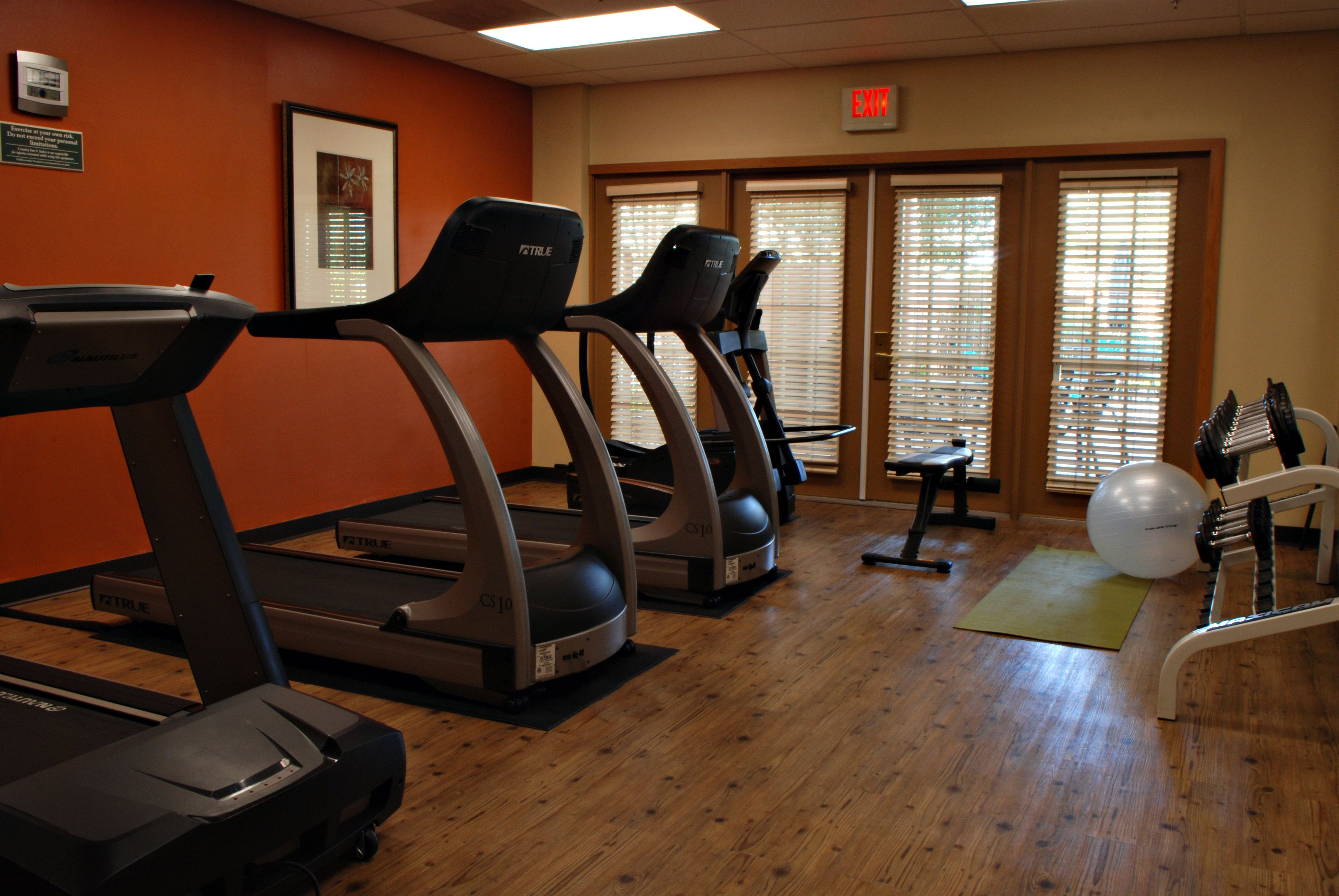 Gym Fitness Center In San Diego Mission Valley Chuze Fitness Gym Membership Mission Valley Gym Workouts