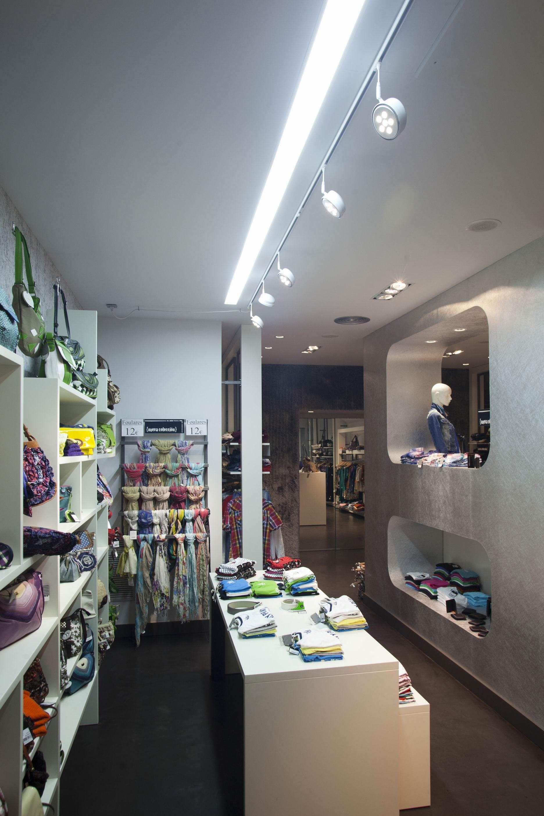 Proyecto iluminacion tienda de moda ideas para tienda - Catalogo de luminarias para interiores ...