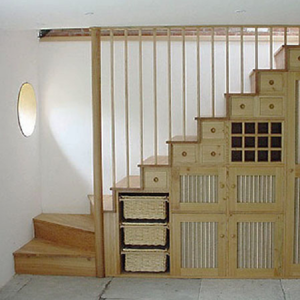 Best Space Saving Staircase Designs Dispensa De Casa Pequena 640 x 480