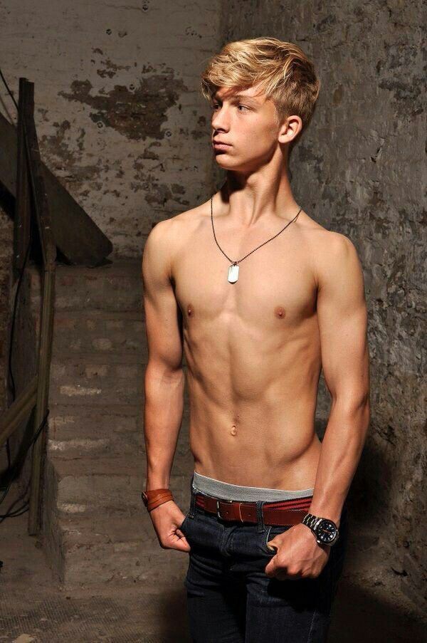 free-twink-blond-boy-young-girls-who-love-sex