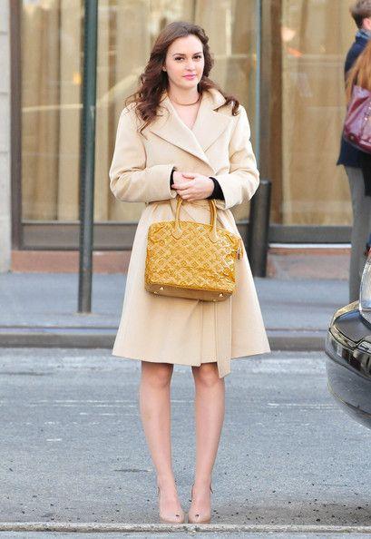 "Leighton Meester Photos Photos: Stars On The Set Of ""Gossip Girl"" In New York"