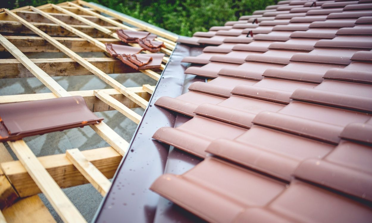 Roofing Materials To Consider For Your House Tekroof In 2020 Roofing Cool Roof Roofing Materials