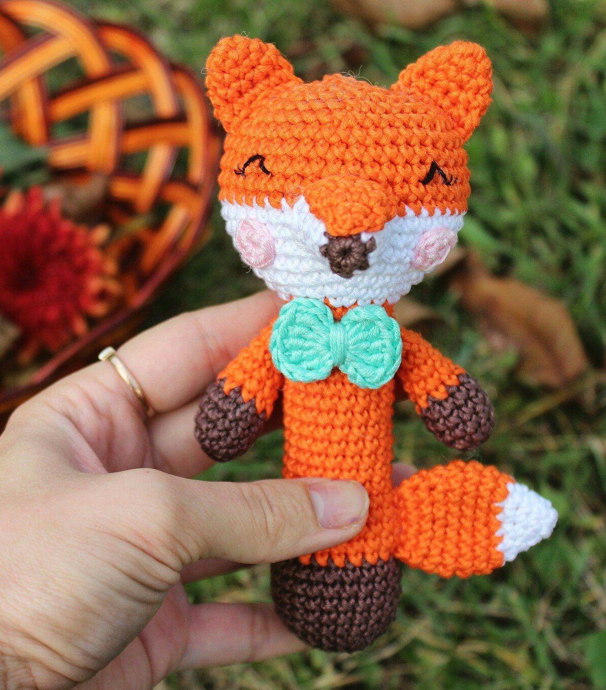 Милая лисичка - игрушка-погремушка крючком для малышей от Дианы ...