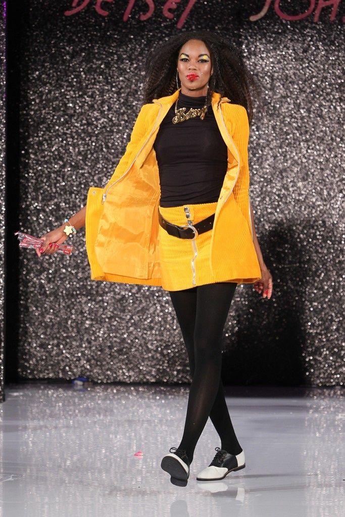 D&G RTW Spring 2012 | Weird fashion, Fashion, Runway fashion