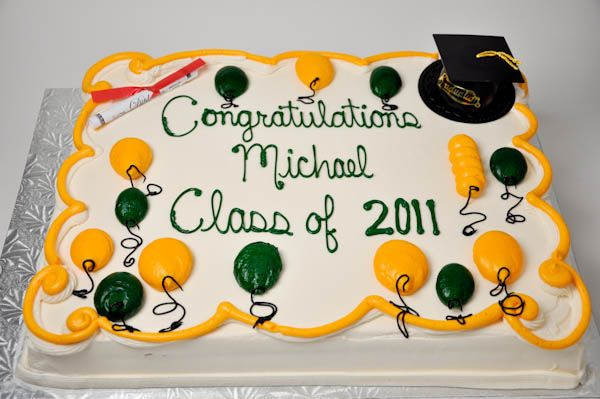 Gr8 With Images Graduation Cakes Congratulations Cake