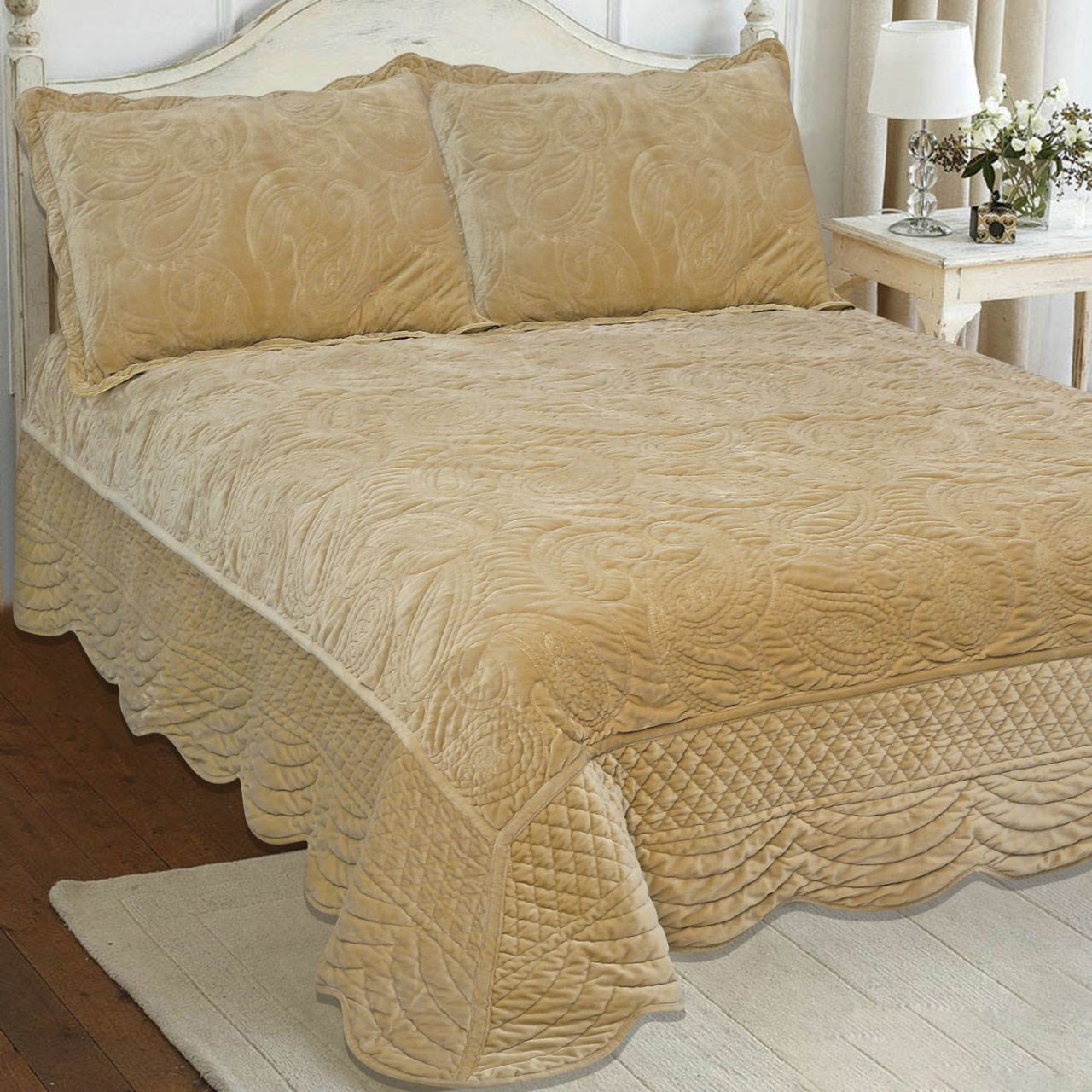 DEEP VELVET FINELY STITCHED LUXURY QUILTED